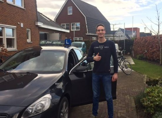 Rijschool For You rijschool Heerhugowaard rijles Heerhugowaard, Alkmaar, Bergen, Broek op Langedijk, Obdam, Hensbroek e.o Jeroen-550x400
