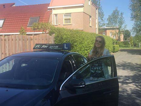 Rijschool For You rijschool Heerhugowaard rijles Heerhugowaard, Alkmaar, Bergen, Broek op Langedijk, Obdam, Hensbroek e.o Michelle-van-D