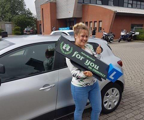 Rijschool For You rijschool Heerhugowaard rijles Heerhugowaard, Alkmaar, Bergen, Broek op Langedijk, Obdam, Hensbroek e.o Renée-480x400