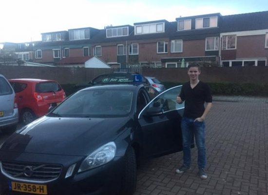 Rijschool For You voor goed rijles in Heerhugowaard, Alkmaar e.o Haal Voordelig & Snel Jouw Rijbewijs. Martijn-550x400