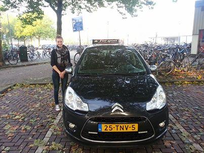 Rijschool For You voor goed rijles in Heerhugowaard, Alkmaar e.o Haal Voordelig & Snel Jouw Rijbewijs. Meike