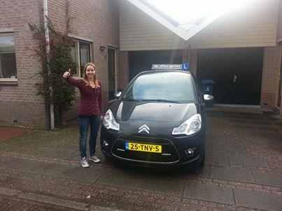 Rijschool For You voor goed rijles in Heerhugowaard, Alkmaar e.o Haal Voordelig & Snel Jouw Rijbewijs. Vera