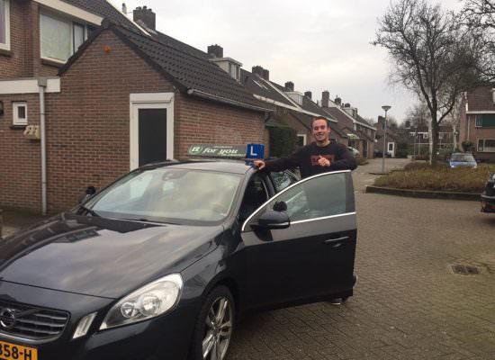 Rijschool For You de rijschool voor goed rijles in Heerhugowaard, Alkmaar e.o Tim-550x400